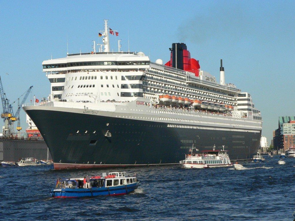 Корабль Queen Mary 2  № 3495352  скачать