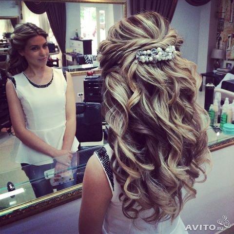Прически на длинные волосы с локонами для девочек