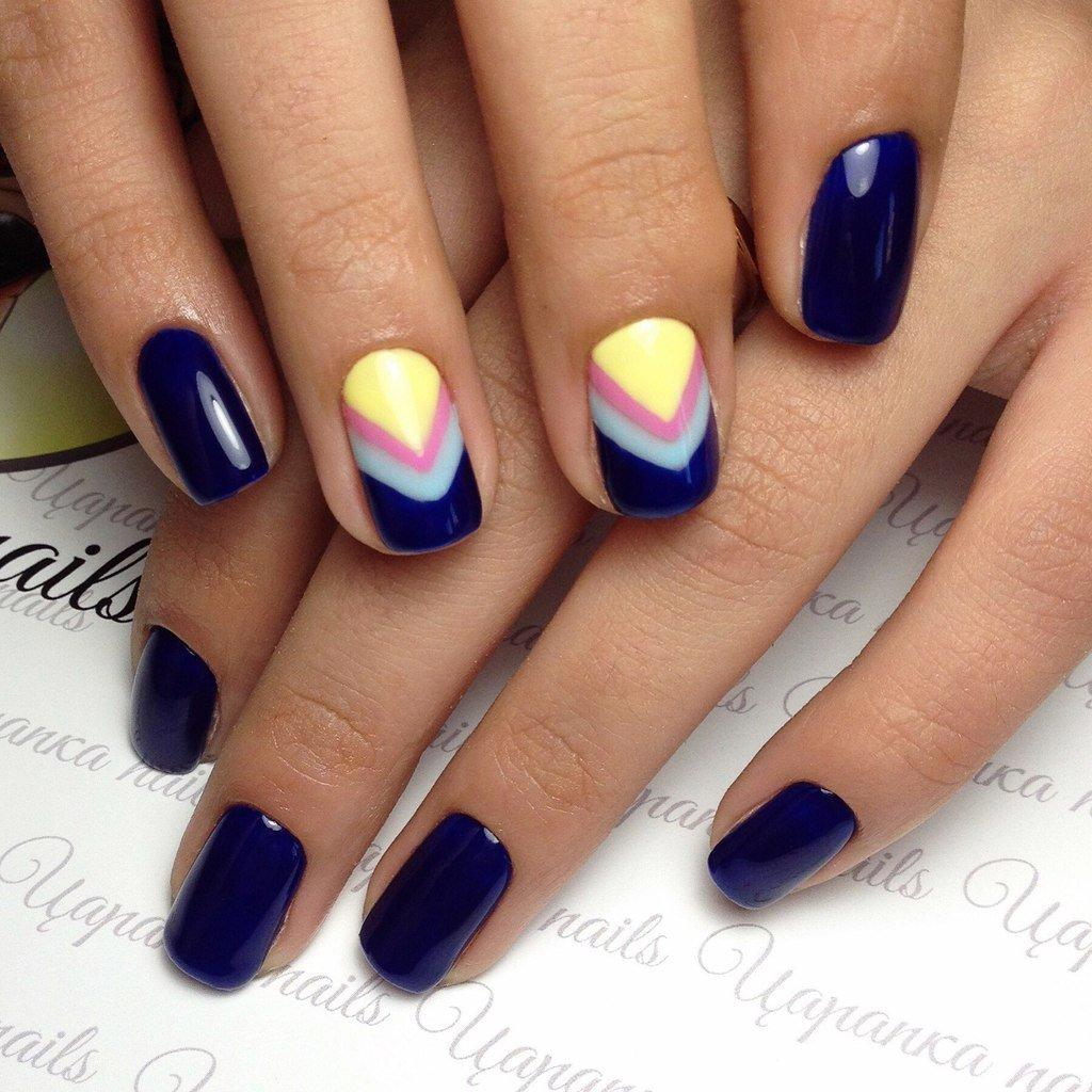 Дизайн ногтей с синим гель лаком