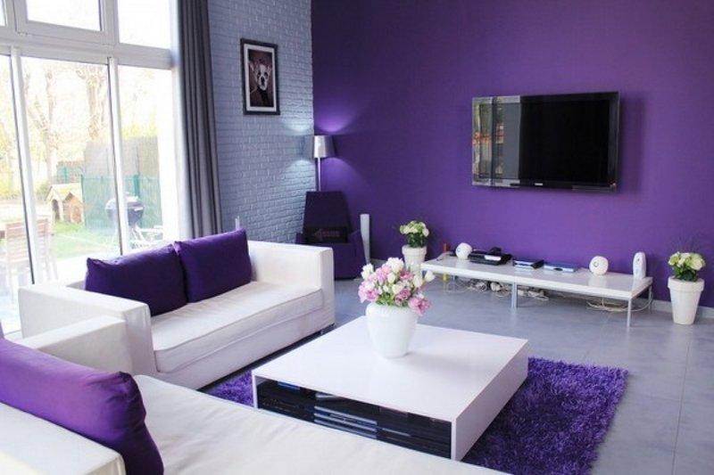 Белый черный фиолетовый в интерьере