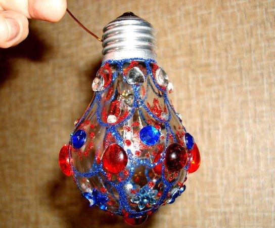 Фото елочная игрушка из лампочки