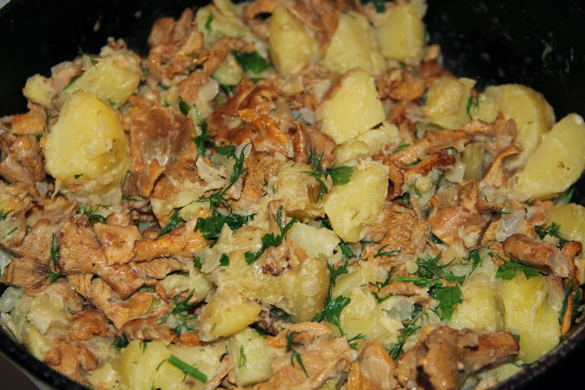 Картошка тушеная с лисичками рецепт