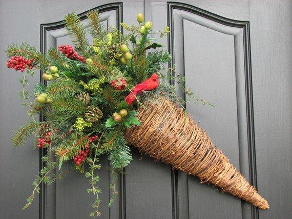 Новогоднее украшение на входную дверь своими руками