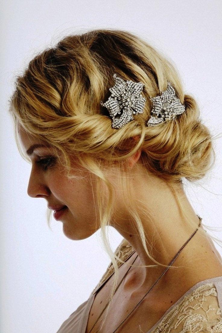 Свадебные прически для тонких волос средней длины