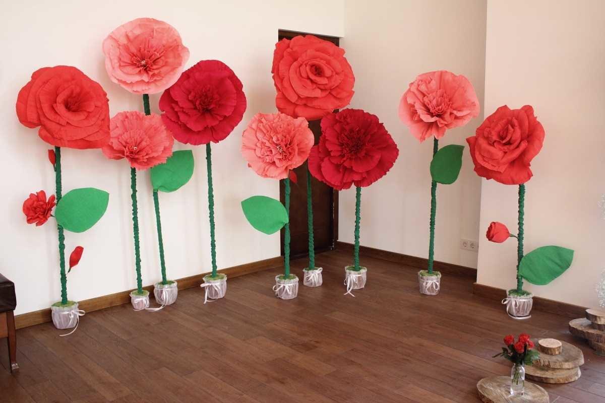 Большие цветы из гофрированной бумаги своими руками мастер класс фото