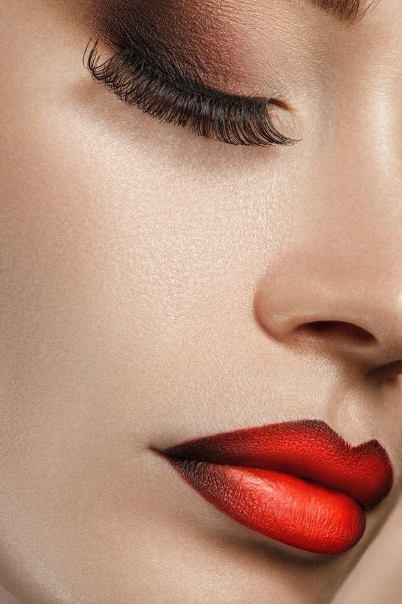 Как подчеркнуть губы макияжем
