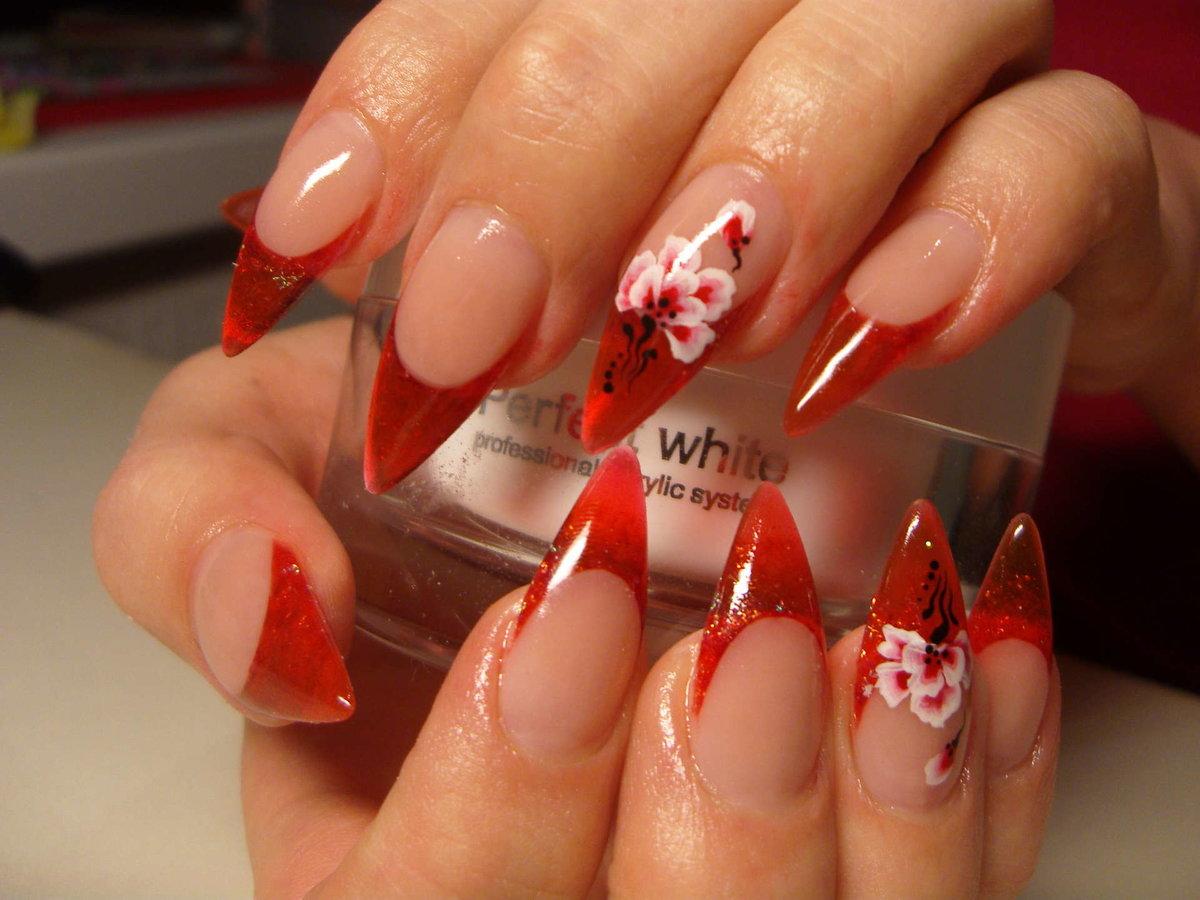 Модный дизайн острых ногтей : красивый маникюр на 3
