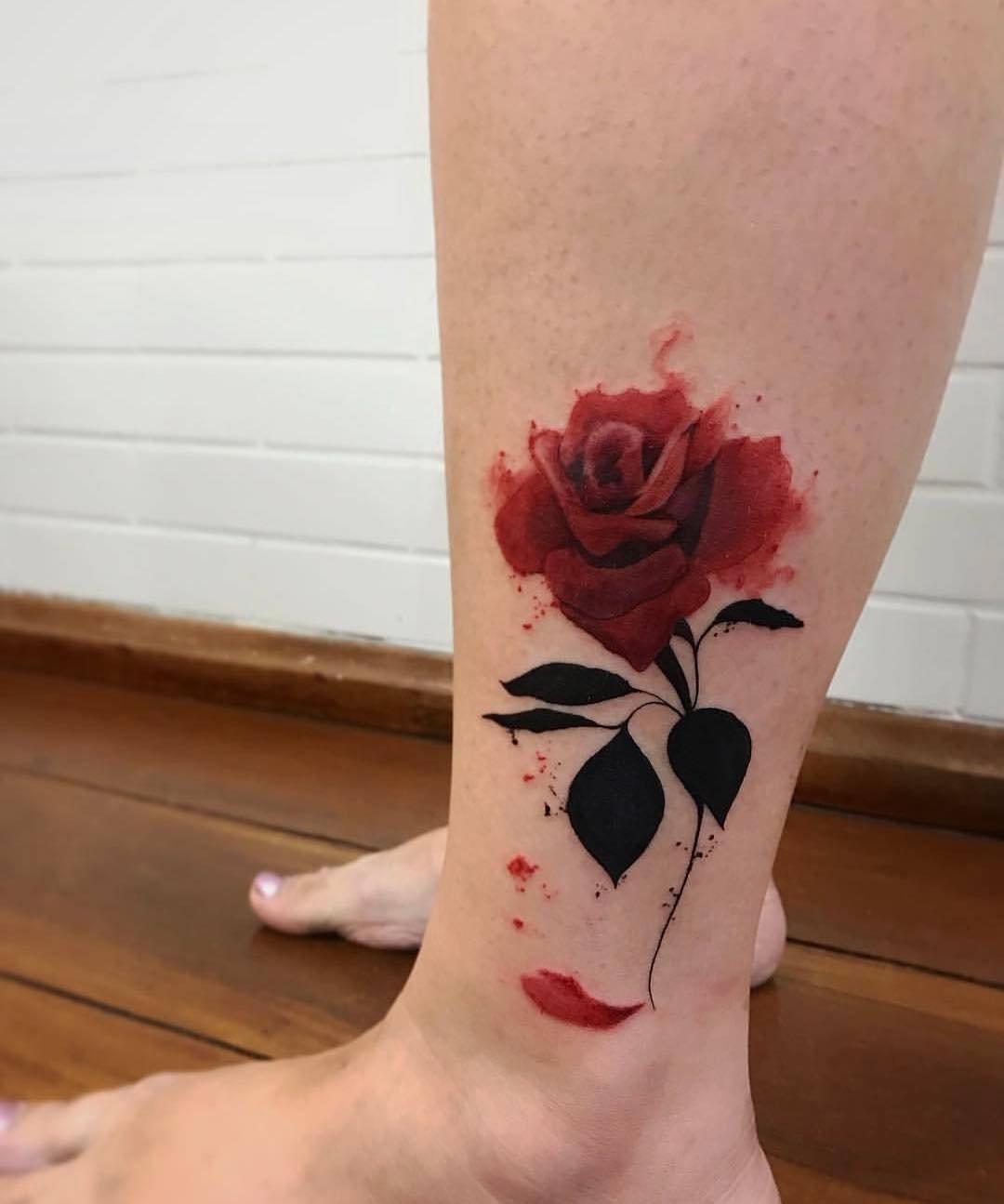 Цветные татуировки на ногу фото