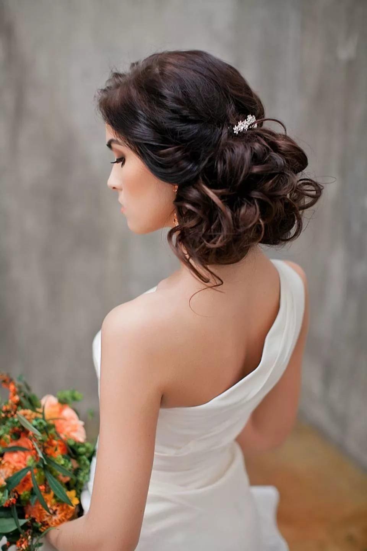 Свадебные прически с челкой для женщин