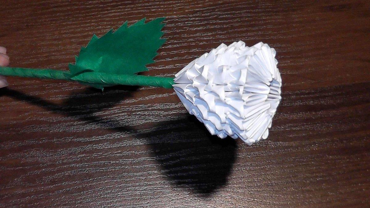 Белый цветок своими руками из бумаги оригами 7