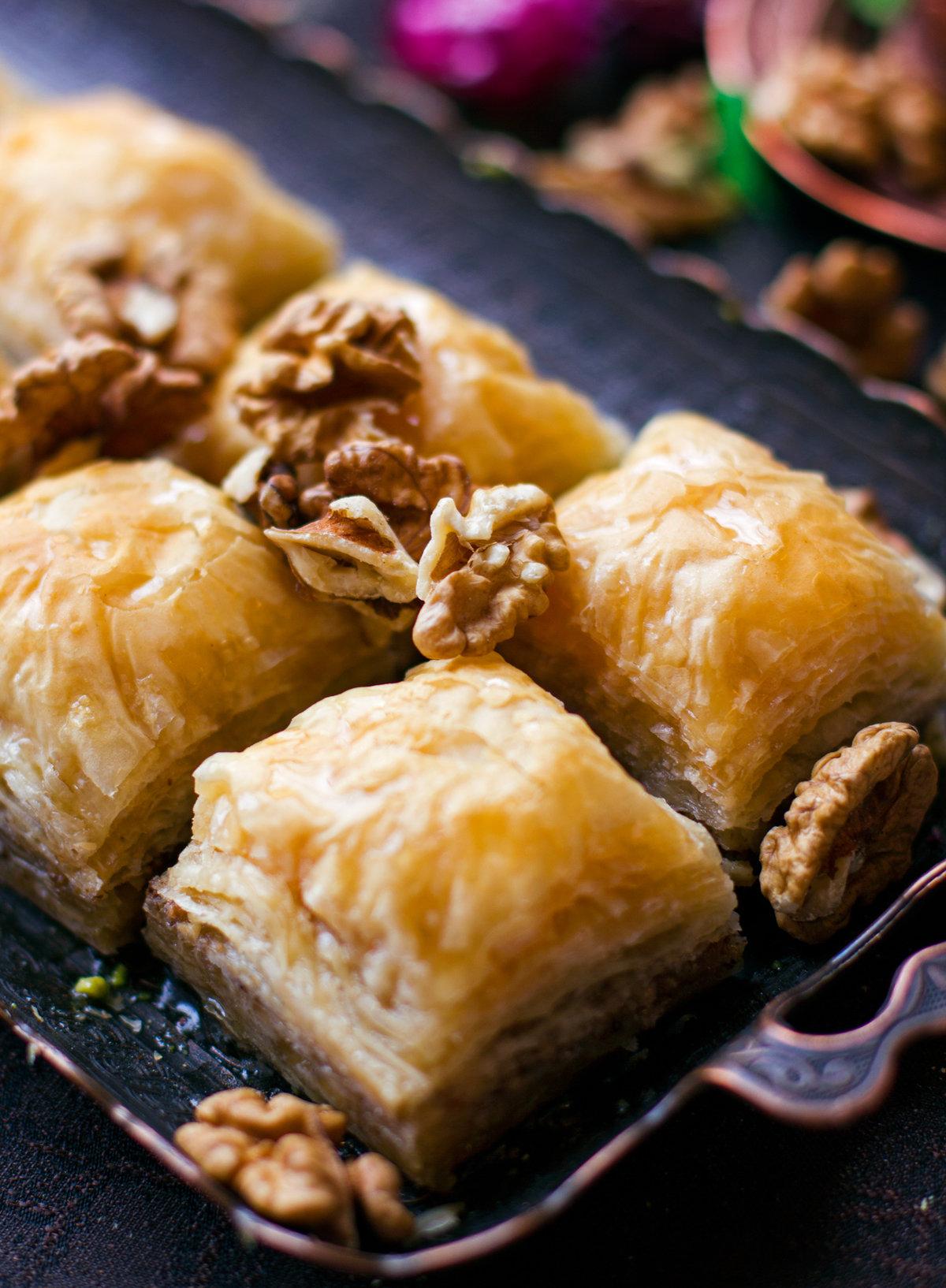 Пахлава с грецкими орехами и медом рецепт