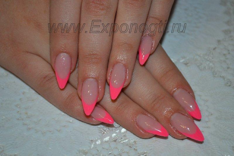 Фото дизайн нарощенных ногтей острой формы