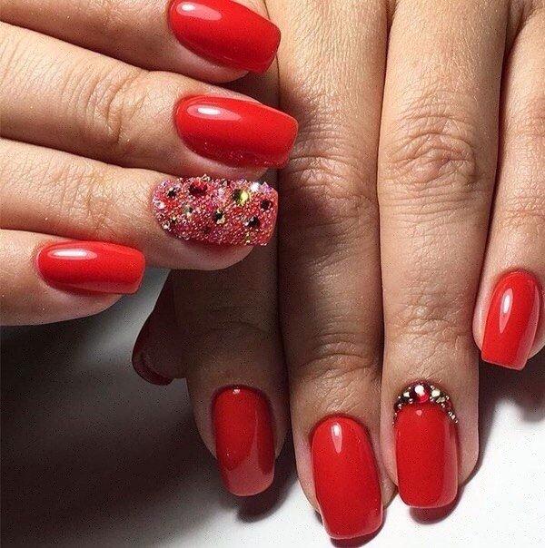 Фото эффектные короткие ногти