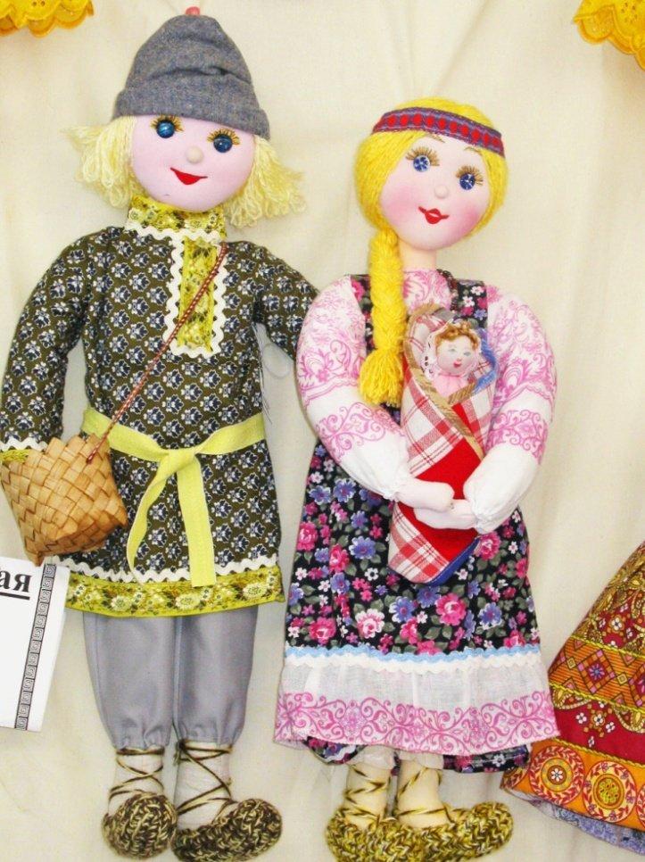 Сшить кукол в национальных костюмах 944