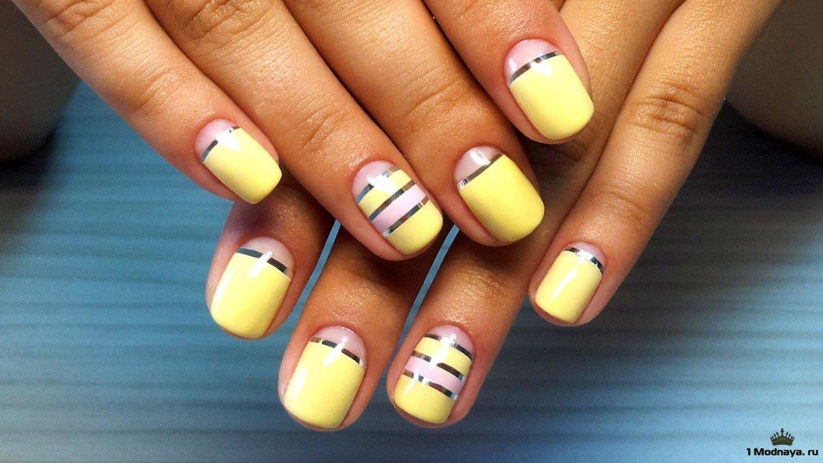 Полоски на ногтях фото
