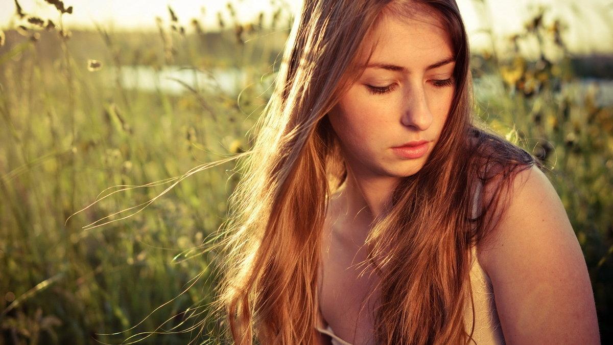 Яндекс фото девушки на природе