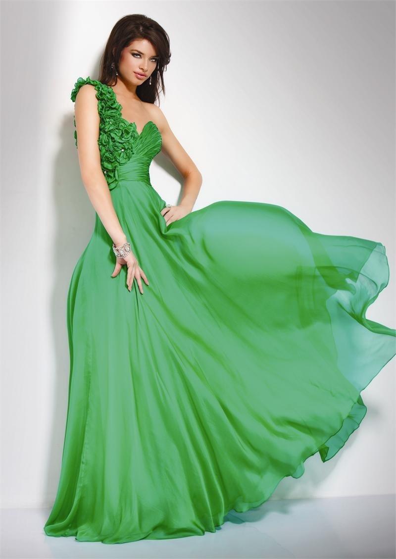 Фото макияж к оливковому платью