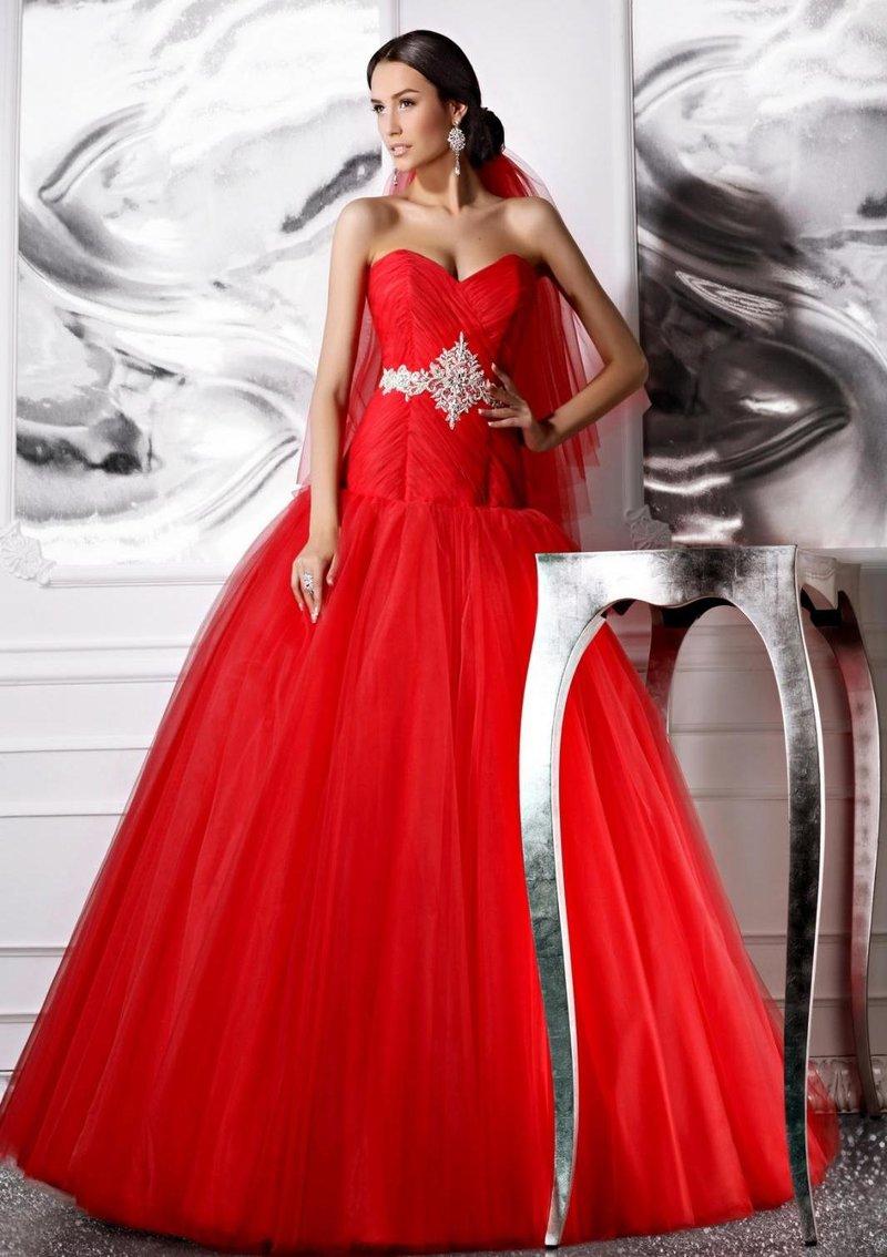 Платье красное на свадьбу