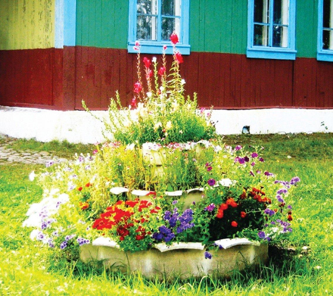 Цветник на даче своими руками из подручных материалов фото