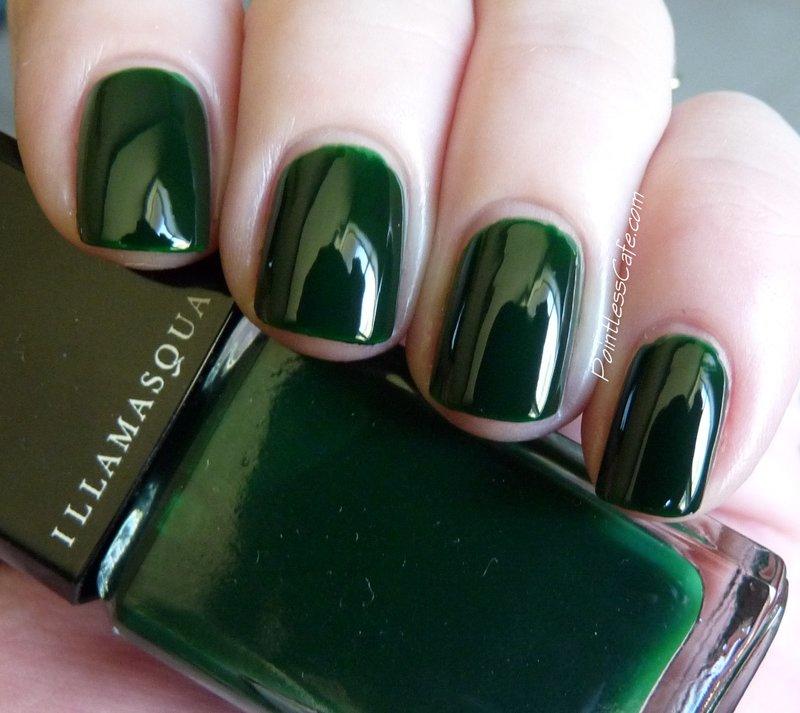 Фото темно зеленого маникюра