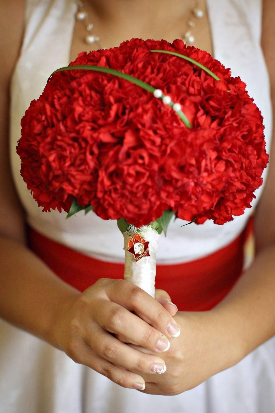 Свадебный букет из гвоздик - значение и символика 35