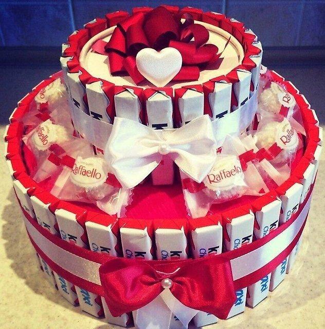 Тортик из сладостей своими руками для девушки 50