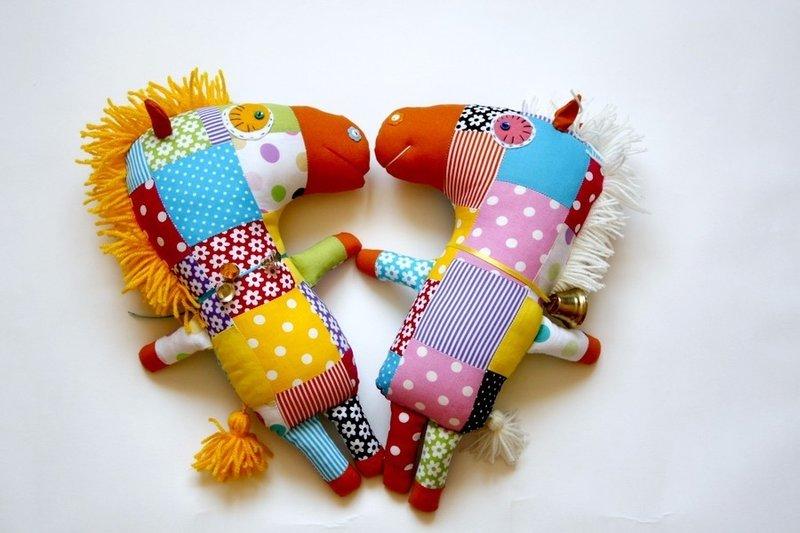 Игрушки из лоскутков ткани