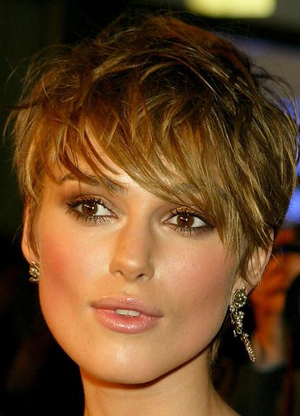 Женская короткая стрижка на квадратное лицо