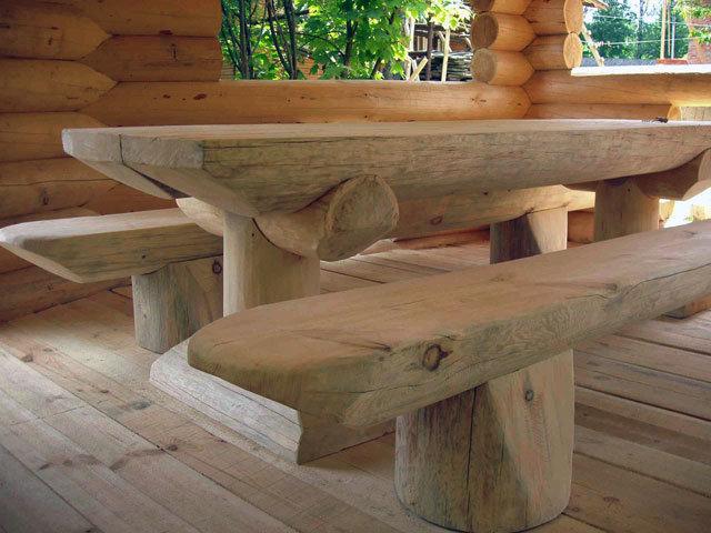 Сделать стол из бревен