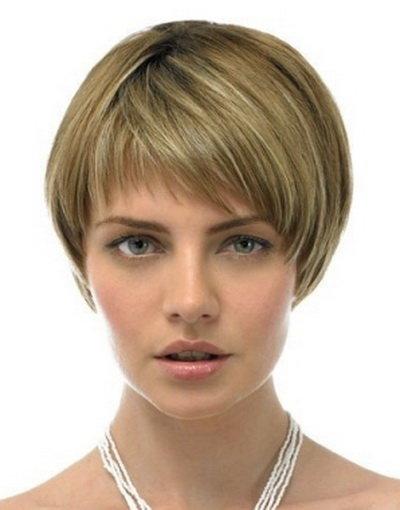 Прическа каре фото на короткие волосы с челкой женские