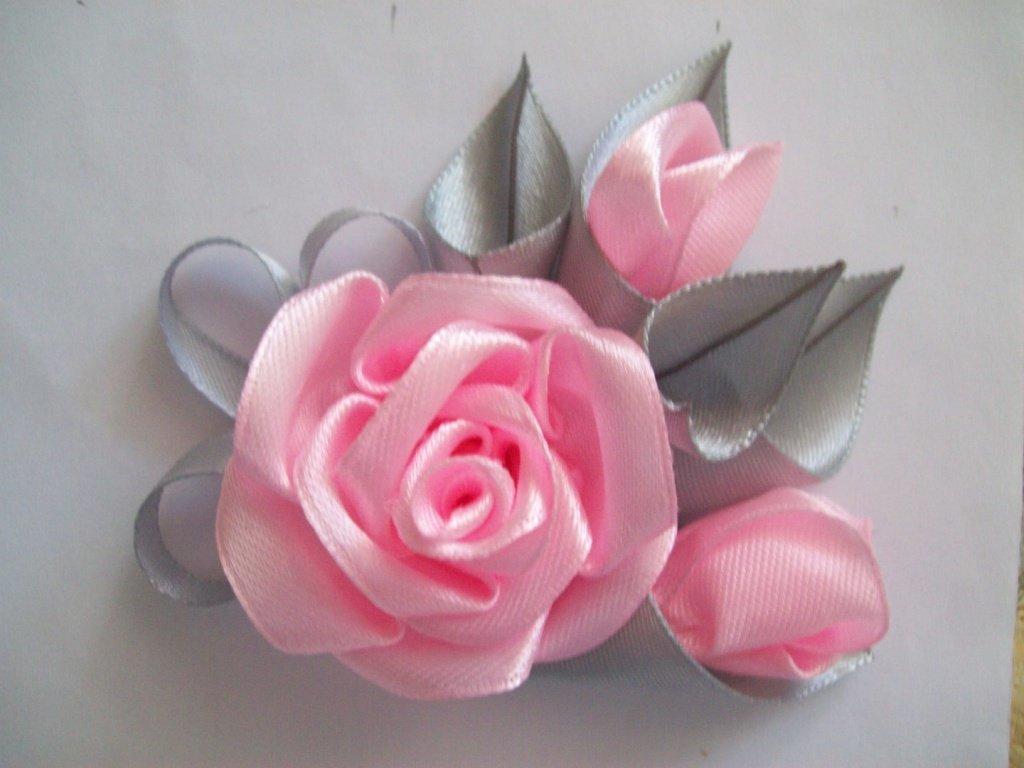 Цветочки из атласа своими руками 16