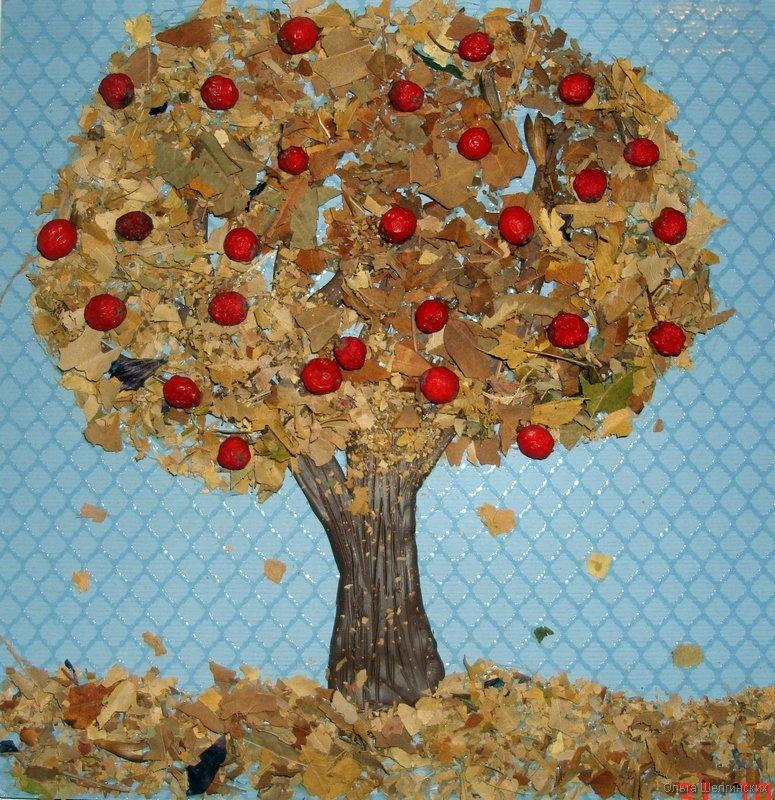 Дерево из природного материала для детского сада