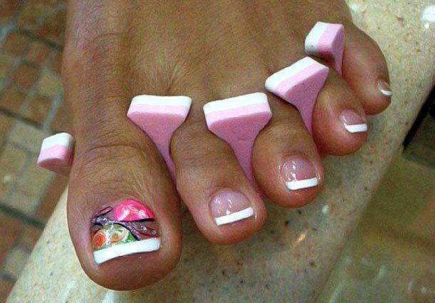 Дизайн ногтей на ногах френч