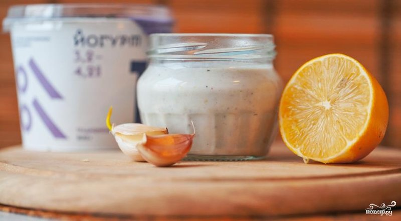 Заправка для салата майонез с йогуртом