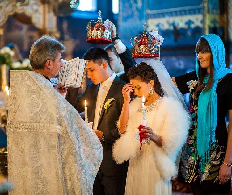 В каком платье нужно венчаться в церкви