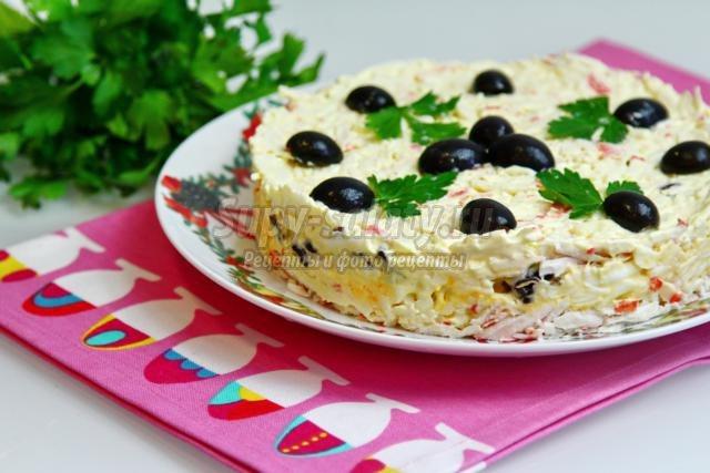 Салат любимый с крабовыми палочками рецепт
