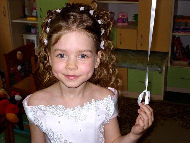 Прическа на выпускной для девочки 7 лет