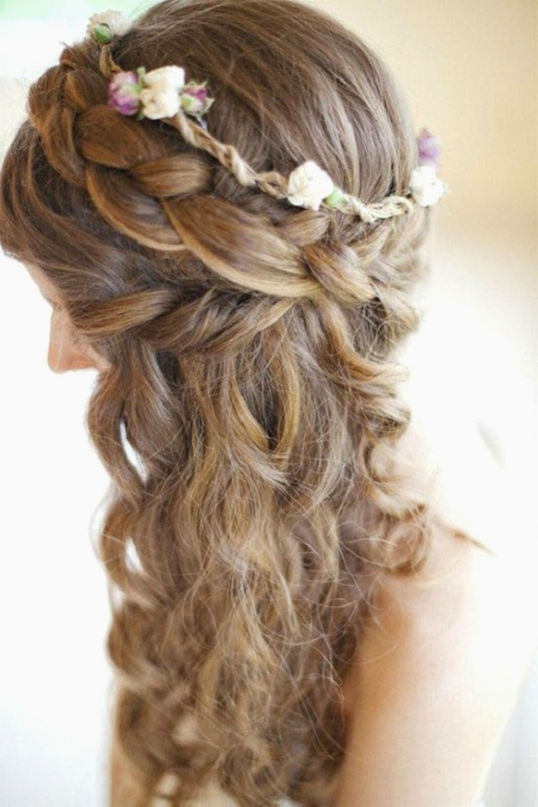 Причёски с плетением и цветами фото