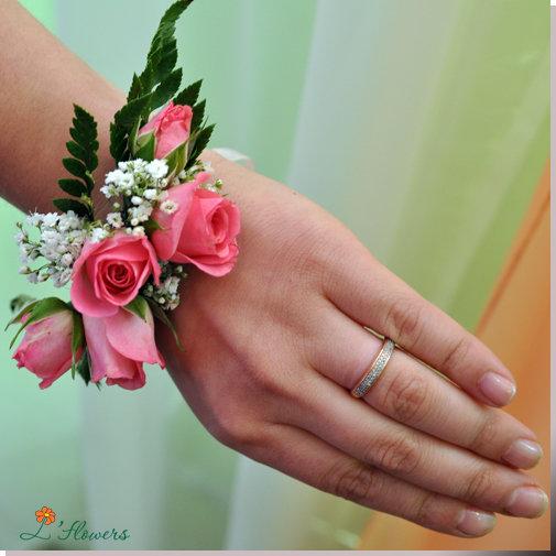 Как сделать браслет из цветов на руку