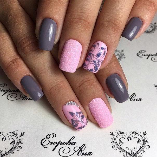 Серый и розовый на ногтях