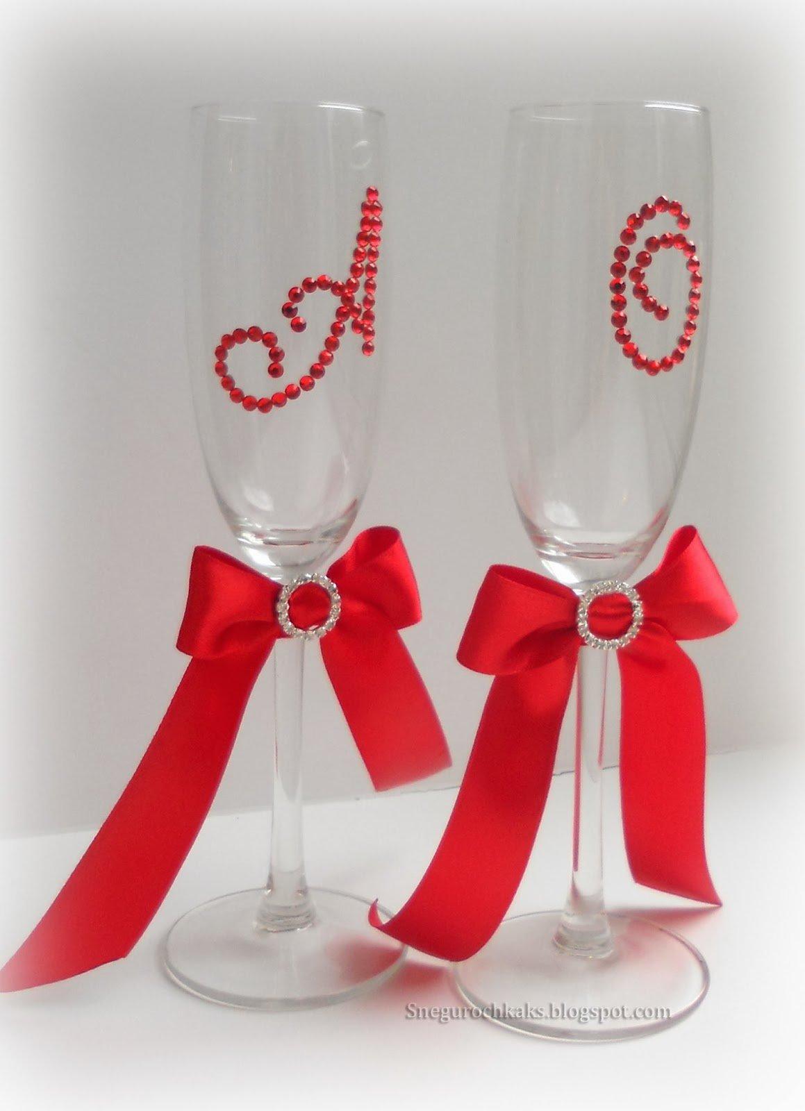 Бокалы на свадьбу бело красные фото