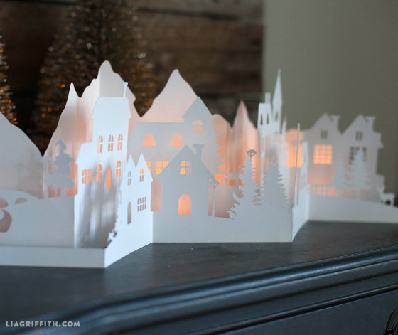 Новогоднее украшение из бумаги дома