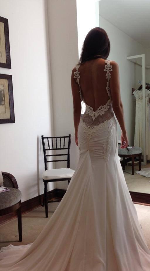 Фото свадебных платьев для брюнеток со спины