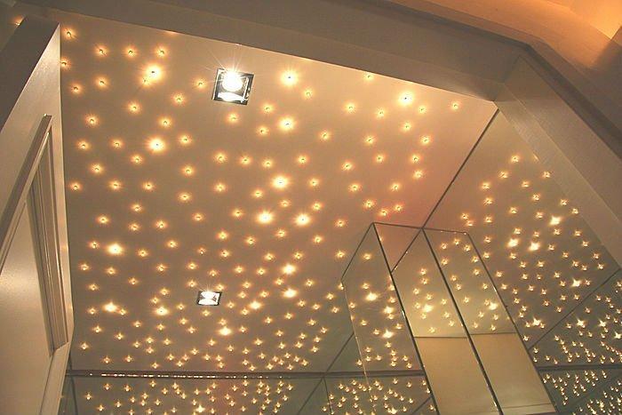 Как сделать потолок с лампочками