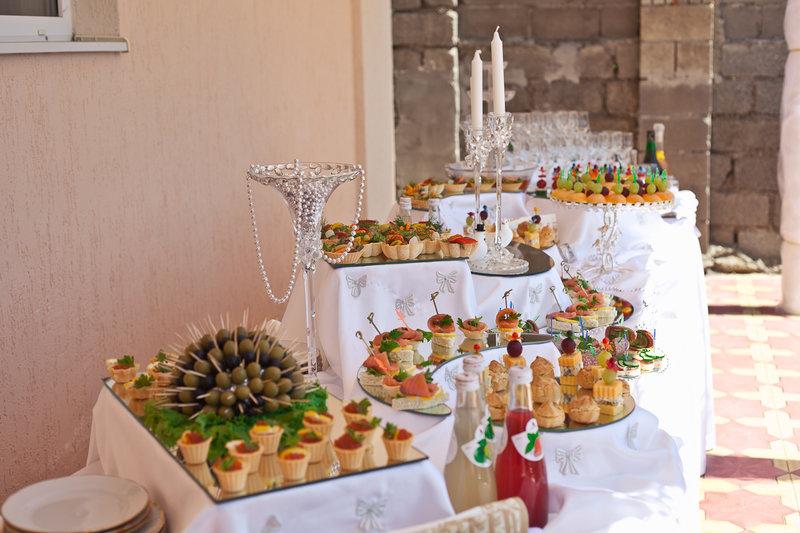 Свадебный фуршетный стол дома фото своими руками