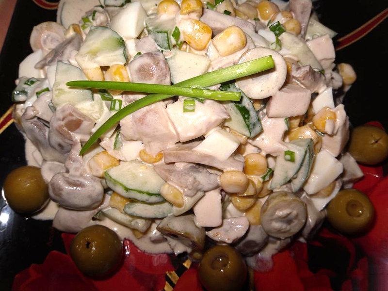 Салат с грибами сыром курицей и яйцами
