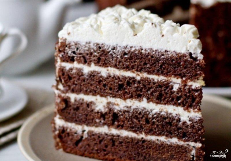 Торт со сметанным кремом и шоколадной глазурью