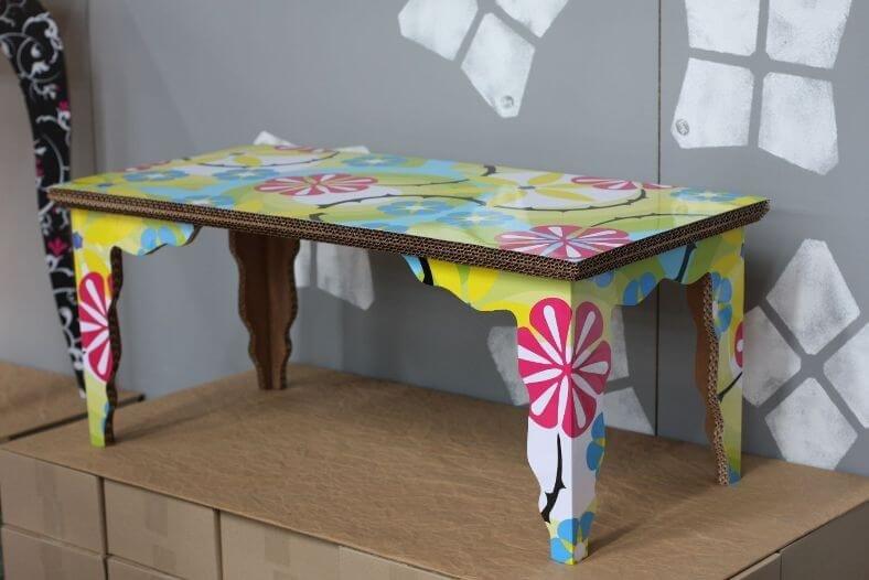 Как сделать столик из коробки