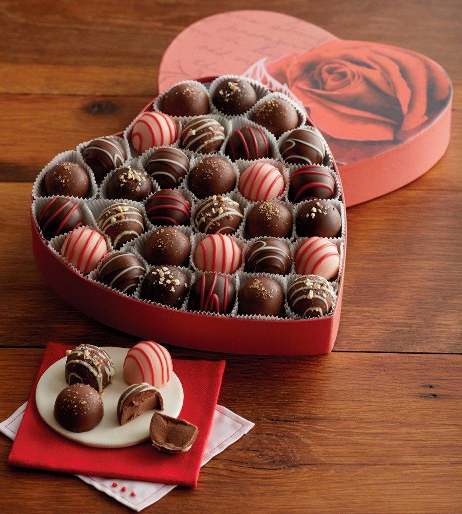 Открытка с конфетами и шоколадом 753
