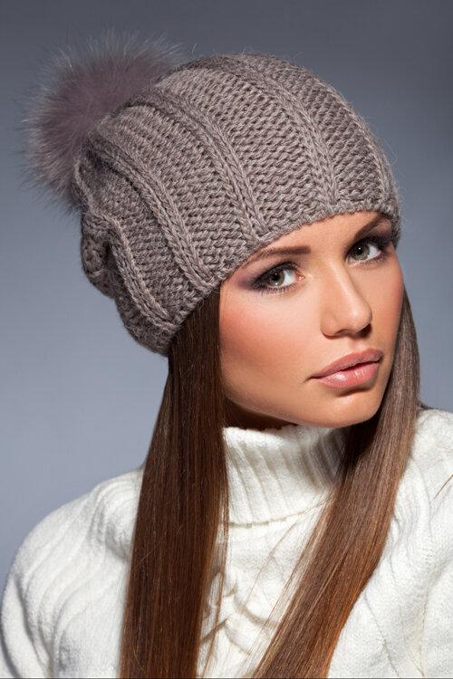 Вязаная шапка женская